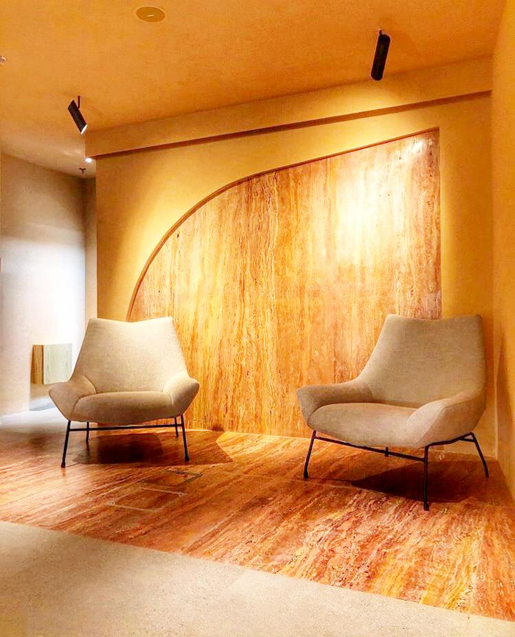 Huna cafe gallery